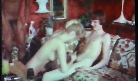 صغيرة الثدي شقراء لم يمنعه افلام جنس روعه إغواء رجل وسيم.
