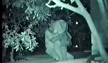 الحيوانات المنوية تتدفق إلى الصدر ، في البطن افلام مصري جنس