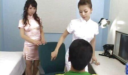 التقى الرجل مع كاميرا افلام جنس روسي في يديه فتاة جيدة