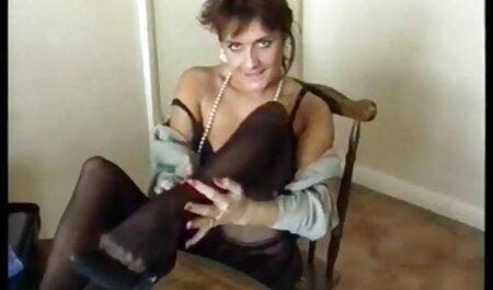 يتم تجميد الملاكم الشاب افلام جنس حب في الحلبة