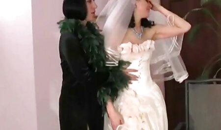 دمية التمسيد يلعب مع الجاذبية ودفع لعبة في كس فيلم جنس للكبار