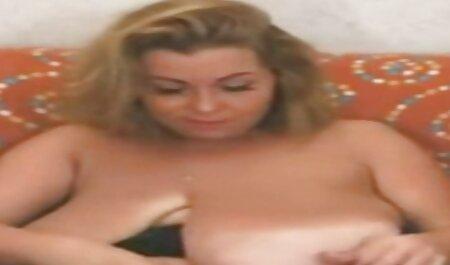 وضعت وجهها في فمها افلام سكس مترجم تبادل زوجات وشعرها