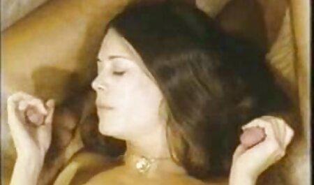رجل اطول افلام الجنس جميل للدجاج الوقوف إلى جانب امرأة وعلى استعداد للذهاب